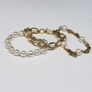 3 faux pearl & gold metal bracelets